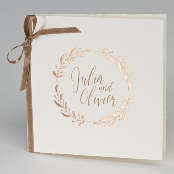 Hochzeitskarte mit bronzefarbenem Lorbeerkranz