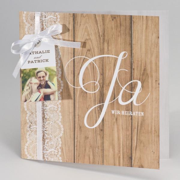 Hochzeitskarte im Holzlook mit Spitzenbordüre
