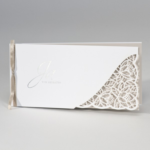 Hochzeitskarte mit Spitze Stanzung & cremigem Einleger